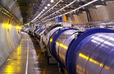 В Европейском центре ядерных исследований ближе к осени должны запустить самый большой в мире ускоритель элементарных частиц © CERN