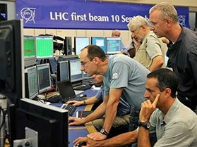 ученые запустили большой адронный коллайдер
