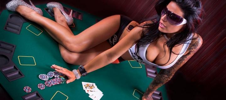 Почему современные люди выбирают в качестве развлечения именно виртуальные слоты? Какие причины приводят их в виртуальное казино? Конечно, максимальная степень удобства является весомым преимуществом современных казино.